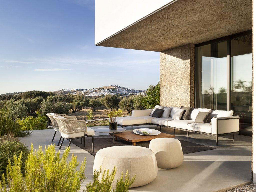 Elegant Living Луксозен живот на открито!