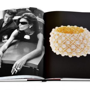 Elegant Living КНИГА CHANEL 3-BOOK SLIPCASE